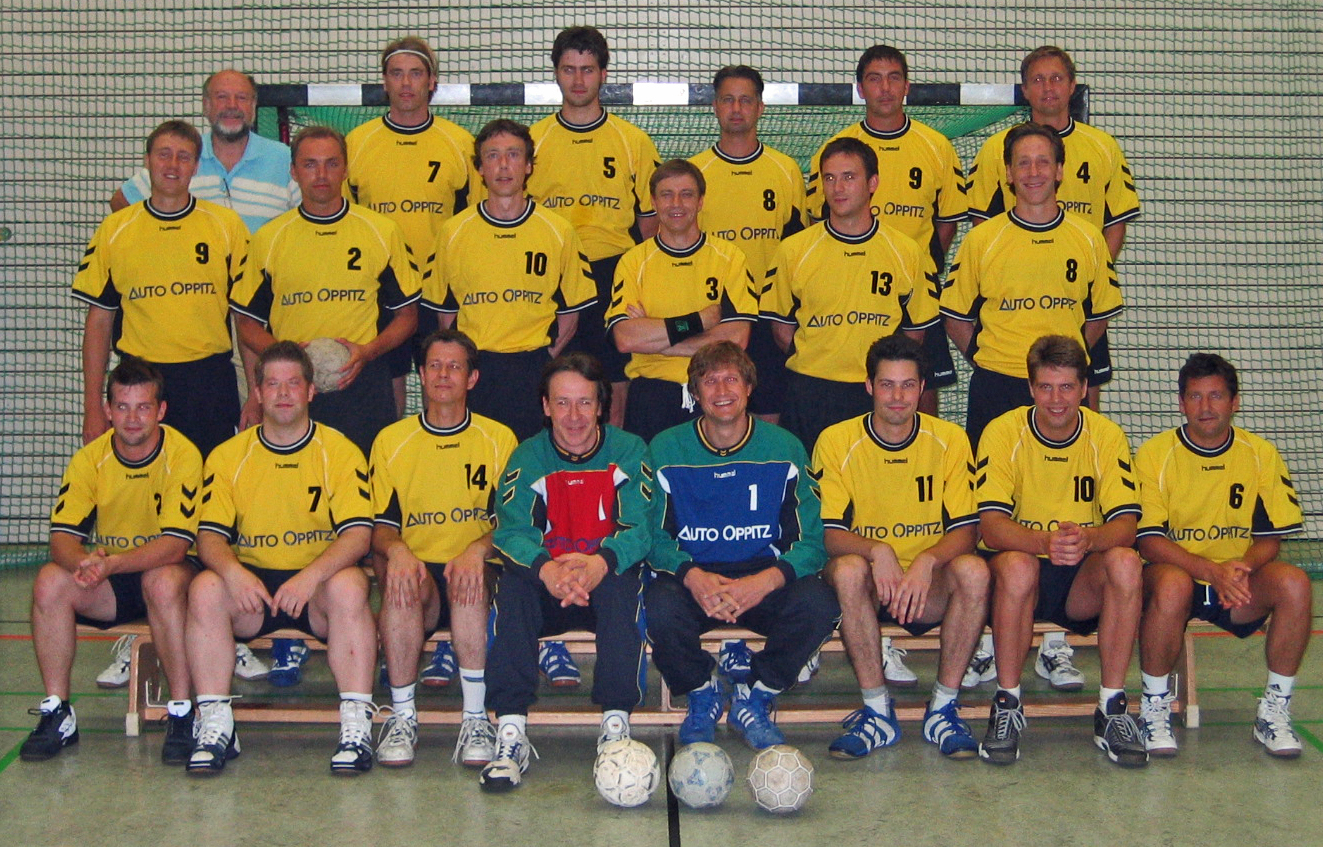 tl_files/verein/bilder/Chronik/Handball 1.+2.Maenner.jpg